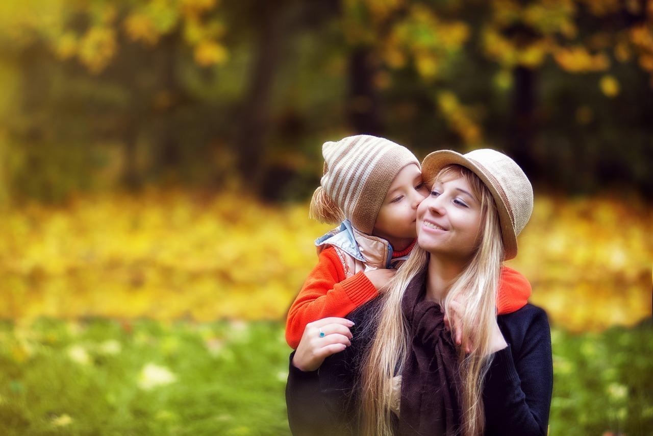 besos niños
